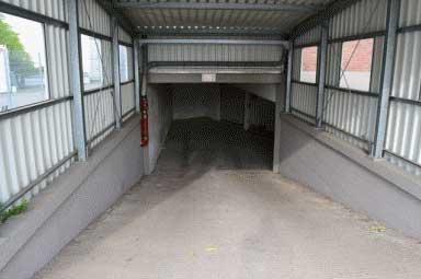 Zufahrt zum Tiefgeschoss - Lagerhaus Klook
